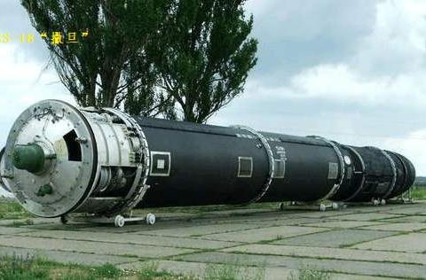 关于东风-41:在全球陆基弹道导弹中,综合作战性能排第二名