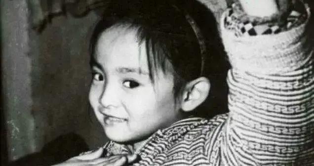 2岁失聪15岁出国演出,29岁登上春晚的邰丽华,如今怎么样了