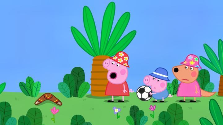 小猪佩奇:佩奇好笨呀,连回力镖都不会扔,还怪回力镖不好玩