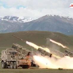 4500米高原上,火力全开!火箭炮铺天盖地齐射