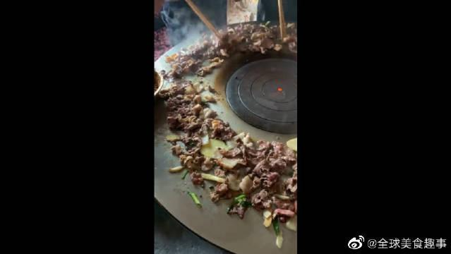 """男朋友请我吃""""铁板烧"""",看到猪肉那一刻,差点没跟他分手!"""