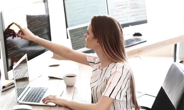 女生学习软件工程专业是否适合,以及如何提升就业竞争力