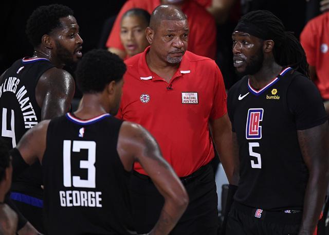 西部半决赛中,乔治与队友冲突的新闻就已经被报道出来
