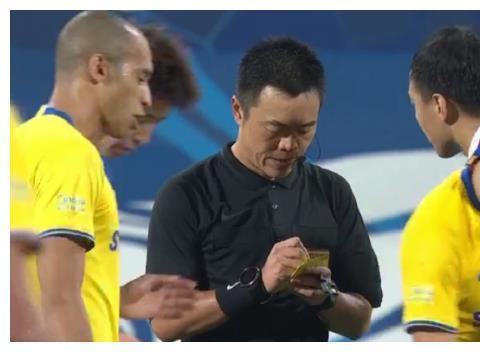 0-0遭逼平后,曾诚送了申花14个字,江苏苏宁主帅感言让人意外!