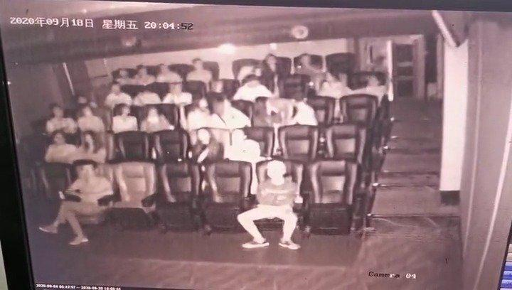 赞!桂林 电影院一观众突发疾病,现场4位医学生挺身而出