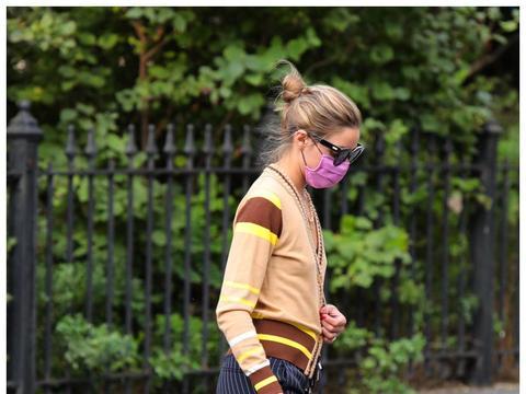 身材完美!奥利维亚·巴勒莫在纽约外出街拍