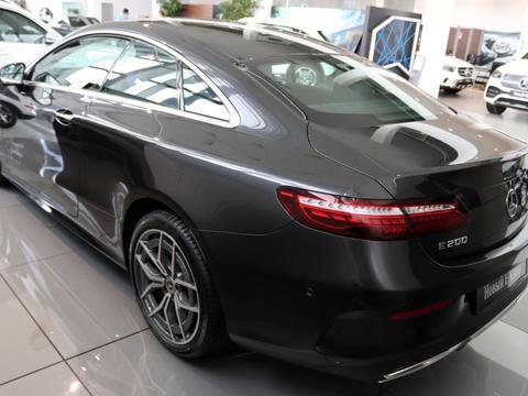 新款奔驰E级Coupe实车 豪华的造型