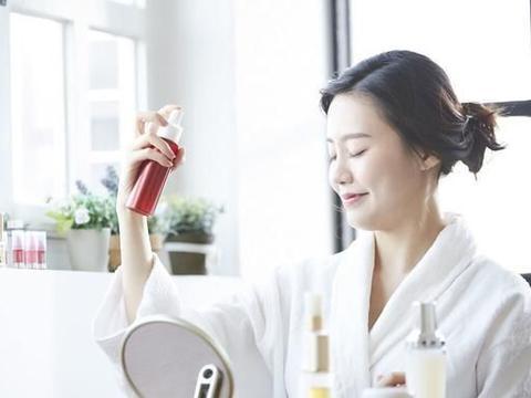 推荐4款网红化妆水,日系最爱资生堂,娇兰蜂姿水是被埋没的宝藏
