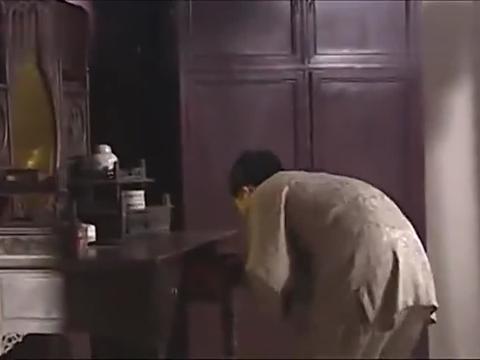 赌徒徐福贵,悄悄潜回家偷拿老婆首饰拿去赌博,太败家