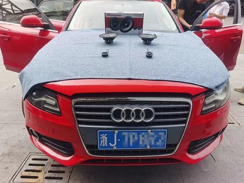 简单升级前声场两分频喇叭,台州奥迪A4汽车音响改装