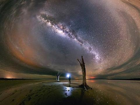 光速8%的恒星,却无法逃离,人类将见证它被吞噬!