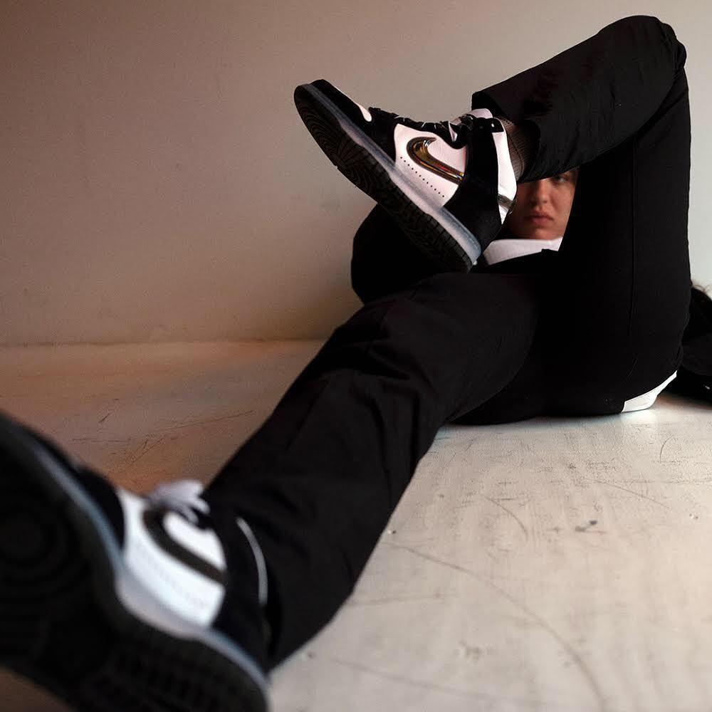Slam Jam x Nike Dunk High 全新联名登场,推出黑白、灰白两款……