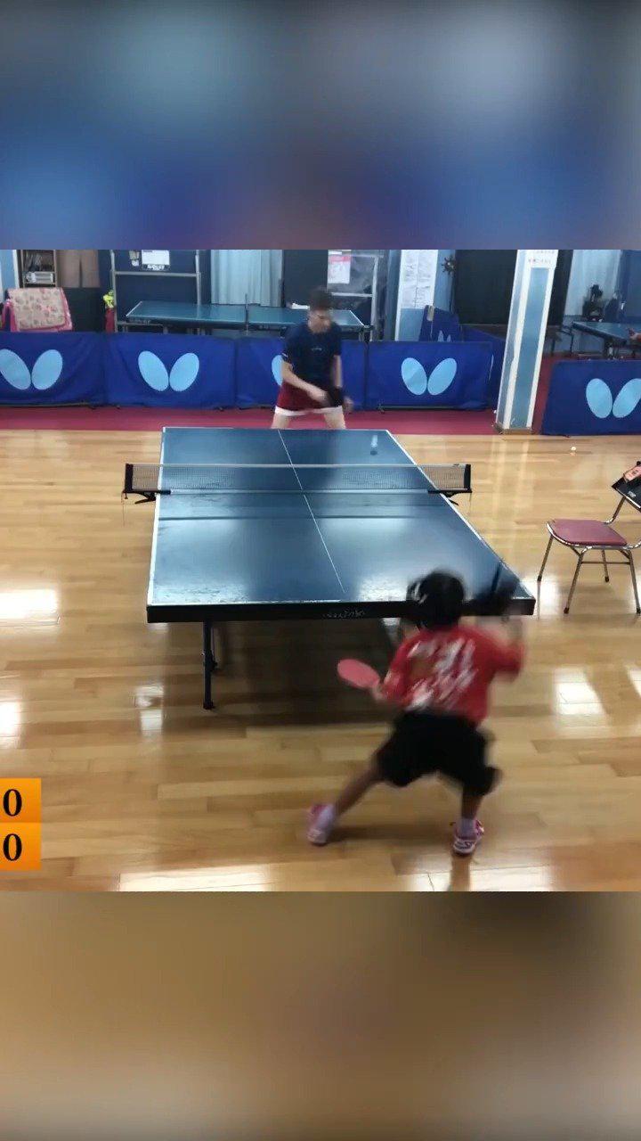 七岁的小女孩打乒乓球完爆外国男子!