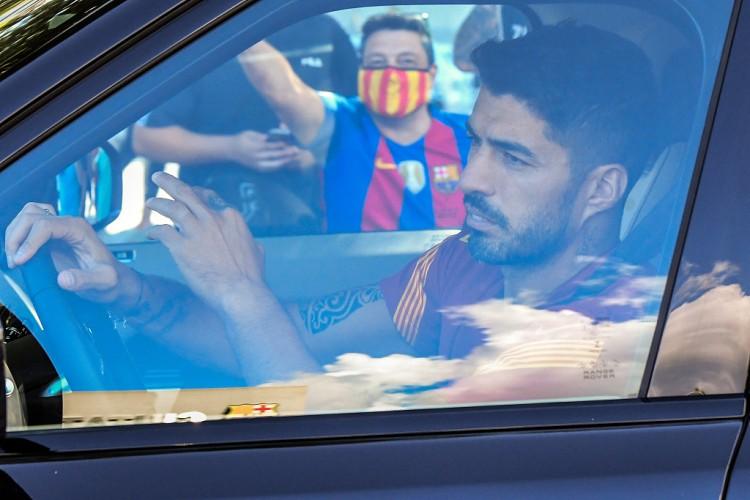 巴萨前锋苏亚雷斯已经与马德里竞技就签约两个赛季达成了协议