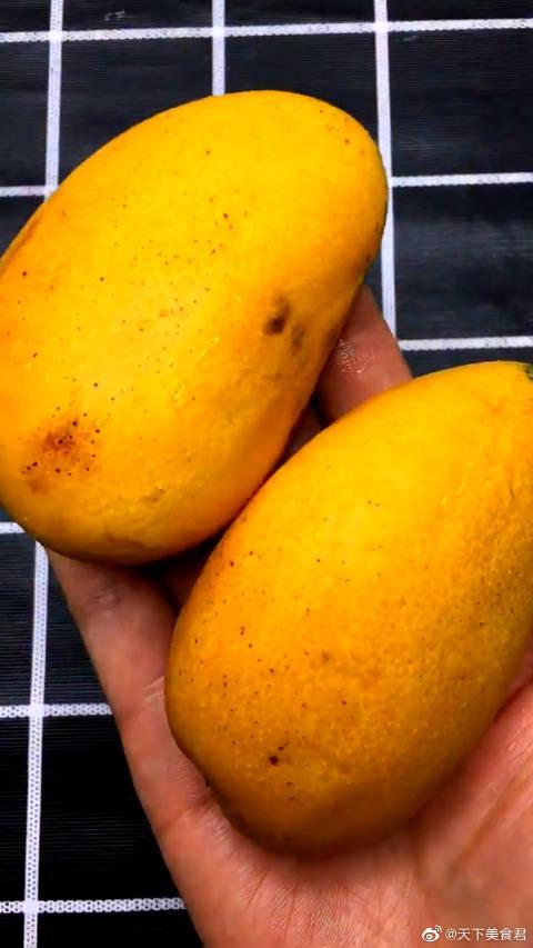 芒果巧克力冰棍的做法,看完你们学会了吗