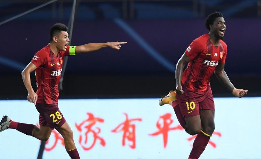 河北华夏幸福最终凭借下半场伤停补时阶段马尔考的头球破门1比0绝杀天津泰达
