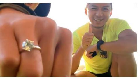 恭喜!TVB一线小生宣布求婚成功,入行22年三段爱情位位女神