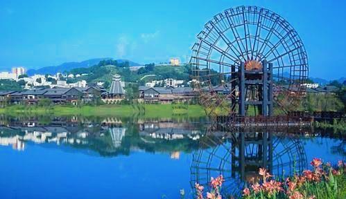 贵州现代与非遗文化最美融合,黔东南丹寨万达小镇