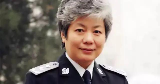 """李玫瑾:""""孩子被打了?打回去啊!""""61岁犯罪心理学教授竟然语出惊人"""