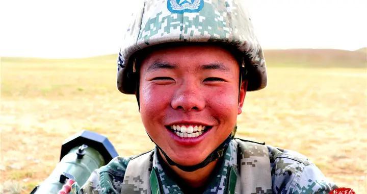 高原战士的各种笑容瞬间,哪一张打动了你?