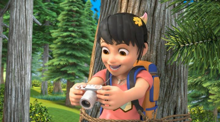 熊出没:赵琳和普通女孩一样,爱美爱自拍,来森林找老虎难为她了