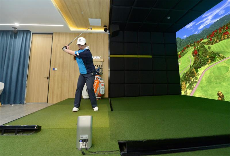 国产高尔夫模拟器公司衡泰信签约冯珊珊,共同推广室内高尔夫