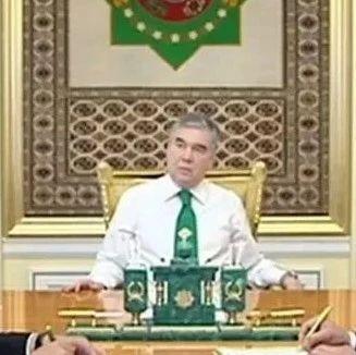 """土库曼斯坦总统""""最后一次""""警告内务部长!"""