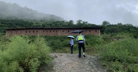 三天二夜!渝北警方在大山里寻回失踪老人
