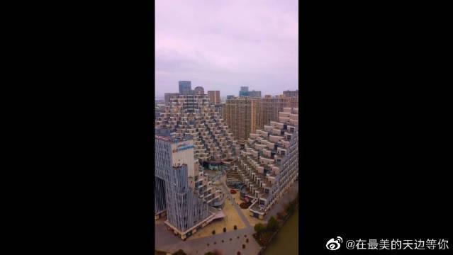 中国最火居民楼,昆山花街居民楼,外形像不像金子塔?