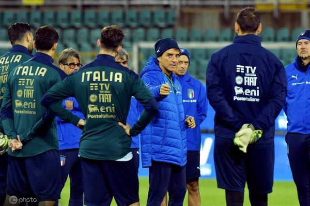 很喜欢意大利队,但意大利为什么总是在世界大赛人家都小看他呢?
