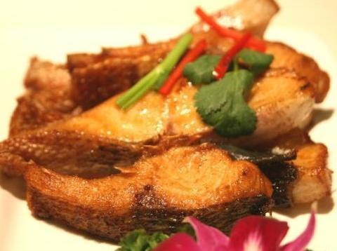 家常美食:海鱼焖豆腐,煎烧鱼腩,椒盐蘑菇,老味道可口真香