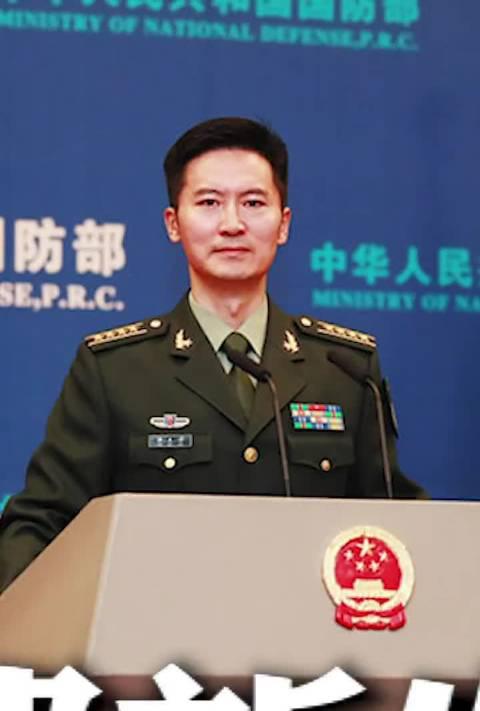 国防部新任发言人谭克非今日亮相。(中国之声)