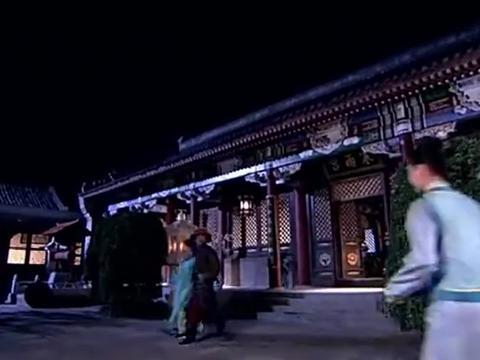 宫锁珠帘:李为和云嫔手牵手,不料被宫女看见啦,李为太阴险啦