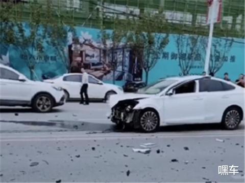 全国首台比亚迪汉出事故,看到车损那一刻,才知彼此质量