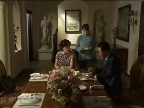 富婆怀疑丈夫找小三,让丫环替她去监视,怎料小三就是丫环