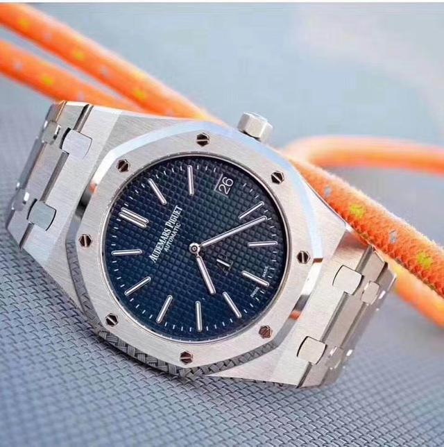 顶级钢王腕表,一表三用的百达翡丽鹦鹉螺以及爱彼皇家橡树