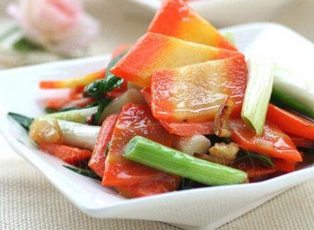 美食:香蒜胡萝卜,虫草花蒸滑鸡,凉拌五花肉的做法
