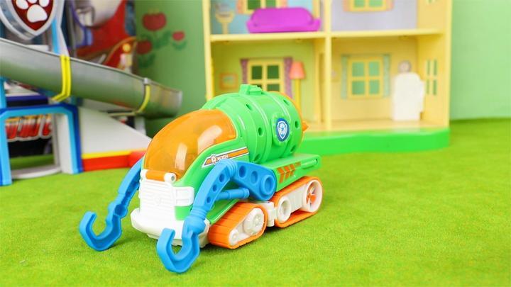 汪汪队立大功:灰灰的海洋救援版垃圾运输车玩具分享