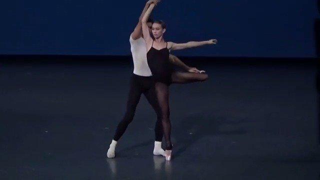 巴黎歌剧院芭蕾舞团 巴兰钦作品Stravinsky Violin Concerto片段