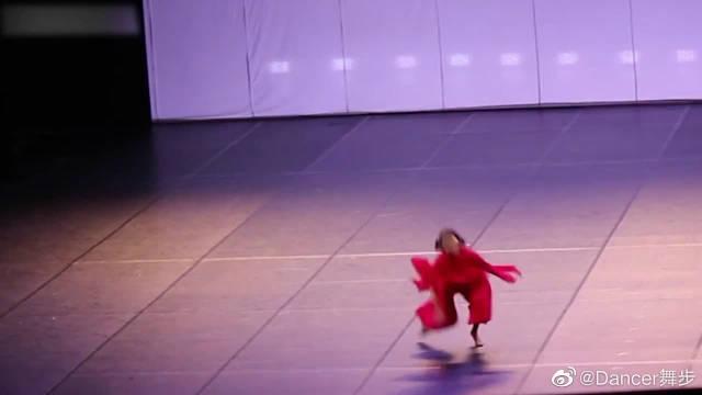 舞者四位领队跳舞有多强?