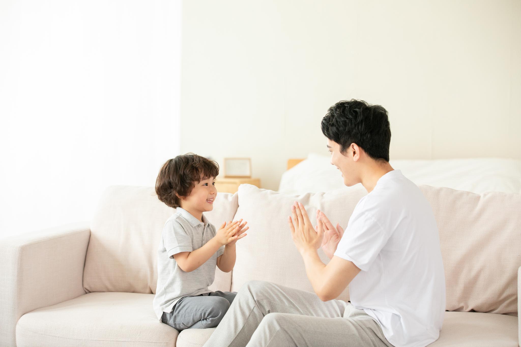五个早教亲子游戏启发孩子的语言天赋!美婴教育