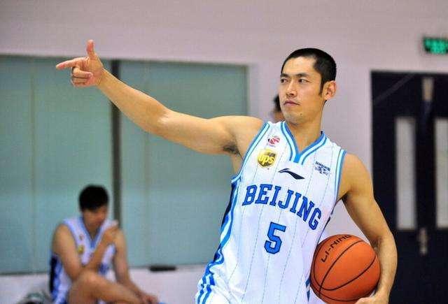 小弟变大哥?辽篮主教练杨鸣有意张庆鹏,教练组已为他留位置
