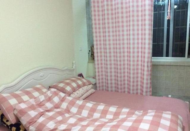 晒晒表姐在深圳花600万买的房子,卫生间在厨房里,连客厅都没有