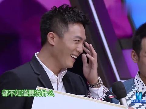 主持人问杜淳和他爸爸:杜淳最想合作的女演员是谁?俩人回答一样