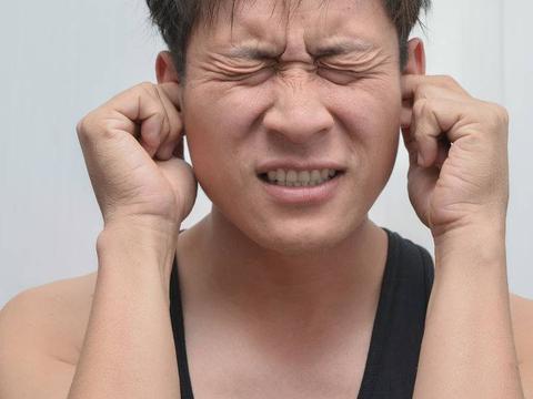 中耳炎引起耳鸣,如何治疗?医生:最重要的是找准病因,勿乱治