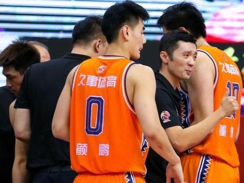 上海男篮好消息,两外援月底归队,刘铮恢复良好,都能赶上新赛季