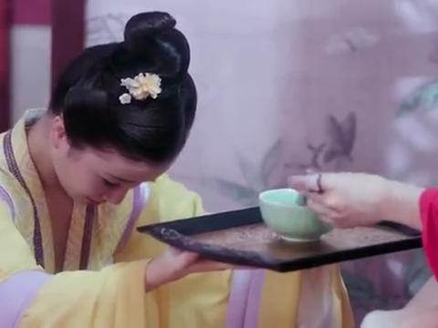 《大唐荣耀》:小妾嫌弃莲子粥难喝,也能能怪到景甜头上!服了