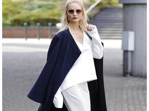 Anna Hiltrop时尚街拍:毛呢大衣纯白套装干练强势