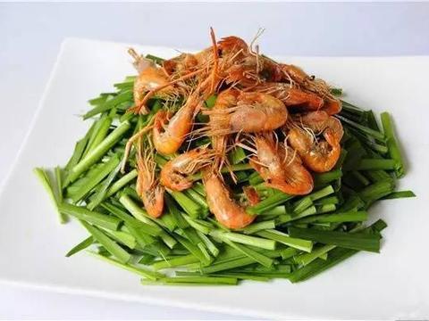 美食精选:炸虾仁、包菜炒粉丝、韭菜河虾、四川捞面