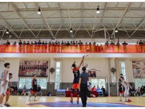 进步龟速!大学篮球队不如职业队,陈国豪或改变想法